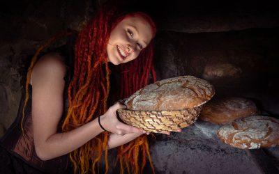 Franky's Peloco Fairytales: Ein Brot nach dem anderen holte die schöne Goldmarie aus dem Backofen (Copyright by: FotoFrank)