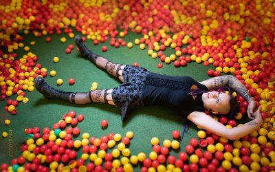 Franky's Peloco Fairytales: Und wenn sie nicht alle gestorben sind, leben sie noch heute und spielen im Bällebad (Copyright by: FotoFrank)