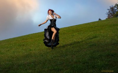 Franky's Peloco Fairytales: Auch das Land gefällt der Piratin wunderbar (Copyright by: FotoFrank)