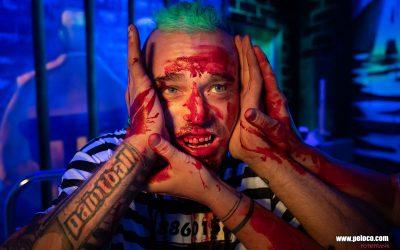 Franky's Peloco Flash: Helfende Hände für den blutenden Dreadhead. (Copyright by: FotoFrank)