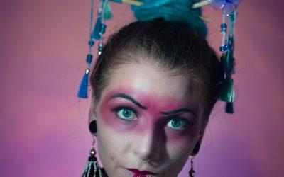 peloco2-fragende-geisha