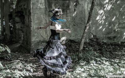 peloco4-dancing-in-the-light