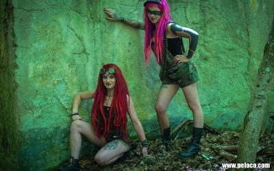 Fredy's Peloco Survivors: Powerful girls with colored natural and synthetic dreadlocks (Copyright by: Manfred Voit)